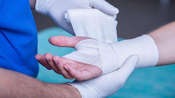Docteur Vladimir MITZ chirurgien Paris 6 75006 chirurgie esthétique ratés media